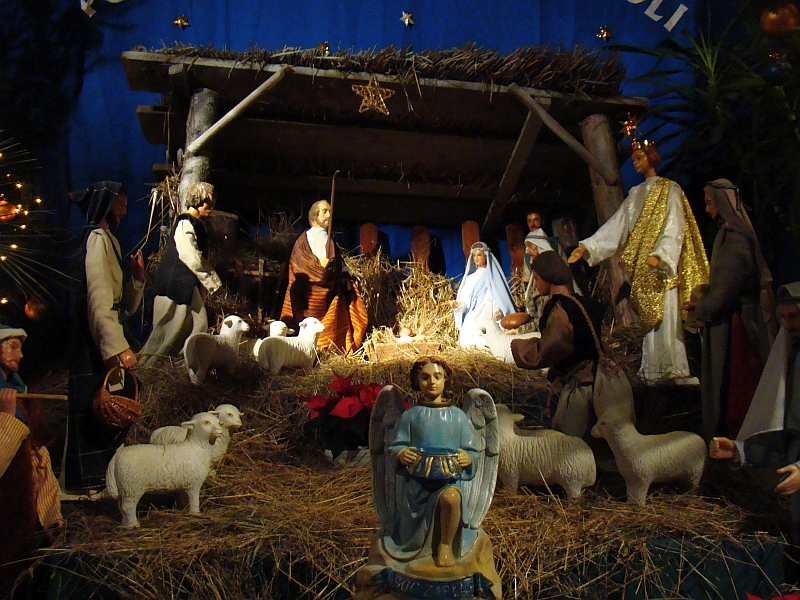 04567_christmas_nativity_scene_at_the_franciscan_church_in_sanok2c_2010